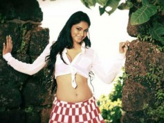 Shilpi Sharma To Sizzle With Manchu Manoj In Current Teega