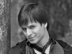 Birthday Boy Vivek Oberoi Plans To Produce Films