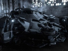 After Batmobile Pic Leaks, Zack Snyder Shares Original One