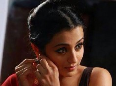 Trisha Impresses Vivek With Her Looks!