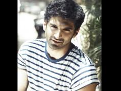 Aditya Roy Kapur Surprised By Kashmiri Girls' Craziness!