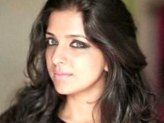 Aparna Nair Posts A Bikini Snap!