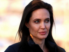 Angelina Jolie Can't Get Pregnant Ever: Gets Ovaries Removed