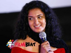 No More Lip-Locks: Honey Rose