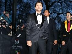 Shahrukh Wins Asian Award In London
