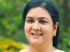 Urvashi Shames Herself By Showing Up Drunk