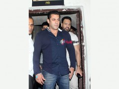 View Pictures:  Salman Khan Spotted With Aishwarya Rai Bachchan's Lookalike