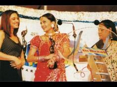 Rare Moments: When Jaya Bachchan Gave Filmfare Award to Aishwarya Rai Bachchan For Devdas