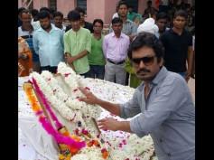 What Made Nawazuddin Siddiqui Emotional At Manjhi's Birthplace?