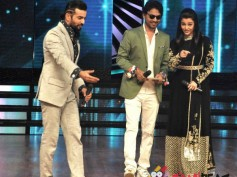 PHOTOS: Aishwarya Rai Bachchan And Irfan Khan Promote Jazbaa On Dance India Dance!