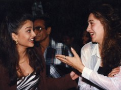 Flashback Pictures: When Aishwarya Rai Bachchan Shared A Laugh with Abhishek's Ex Karisma Kapoor