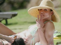 6 Hollywood Divas Who Are Addicted To Tobacco