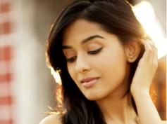 Bollywood Actress Amrita Rao To Make Her TV Debut!