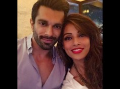 'Love Monkeys' Bipasha Basu & Karan Singh Grover Spotted On A Dinner Date [Pictures]