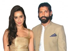 OH MY GOD! Farhan Akhtar & Shraddha Kapoor Get Naughty At The Party, Leave Everyone Shocked!