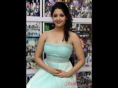 Ritika Singh Paired Opposite Raghava Lawrence