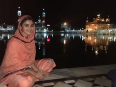 Alia Bhatt visits the Golden Temple With Her Father Mahesh Bhatt!