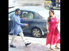 Kareena Kapoor Spotted With Her Baby Bump!