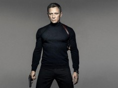 Daniel Craig Offered 1000 Crores To Reprise  James Bond Role