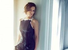Kate Beckinsale Calls Her Co-Star Theo James Unattractive