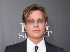 Brad Pitt Undergoing Plastic Surgery To Deal With Divorce