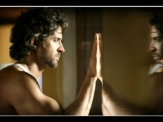 After Varun Dhawan & Arjun Kapoor, Hrithik Roshan To Do A Double Role In Karan Malhotra's Comedy?