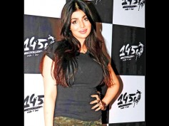 OH MY GOODNESS! Ayesha Takia Says Someone MORPHED Her LIP JOB Pictures; Posts A Shocking Message!