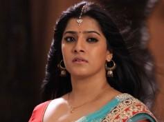 Here Is Why Varalaxmi Sarathkumar Walked Out Of Aakasha Mittayi!