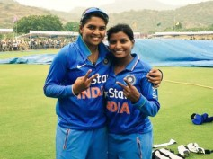 Indian Cricketers, Veda Krishnamurthy And Rajeshwari Gayakwad To Appear On Super Talk Time Show!