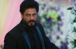RIDICULOUS! This Director Is Spreading VENOM Against SRK