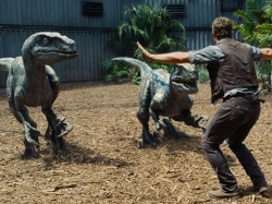 Jurassic World Viewers Twitter Review Box Office Shattering Blockbuster