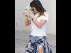 Kylie Jenner Suffering Neuroses Assistants Reveal The Secret Snapchat