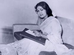 Finally A Biopic On Legendary Old Actress Savitri