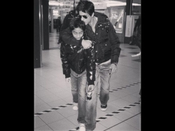 Throwback Picture Of Shahrukh Khan Kissing Aryan Khan Too Adorable