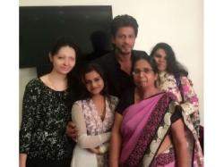 Shahrukh Khan Visits Acid Attack Survivors