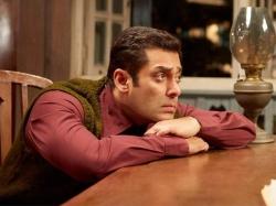 Salman Khan Embarrassing Moment During Shoot Of Tubelight He Cried Thinking Sohail Khan