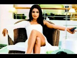 Hot Buzz Priyanka Chopra To Make A Comeback In Bollywood With Aitraaz 2