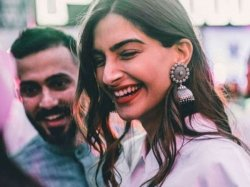 Sonam Kapoor Anand Ahuja Move To London After Wedding Buy A House In The Uk