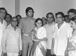 Remembering Prakash Mehra The Man Who Gave Bollywood It Sfirst Angry Young Man