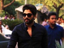 Allu Arjun Reveals That He Is Big Fan Shahrukh Khan S Dilwale Dulhania