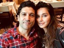 Farhan Akhtar Bumps Into His Alleged Girlfriend Shibani Dandekar For A Dinner Date
