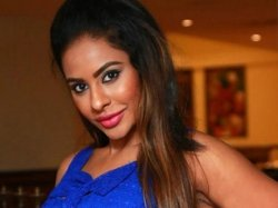 Sri Reddy Claims Tamil Star Used Her Like Toilet Is She Attacking Vishal