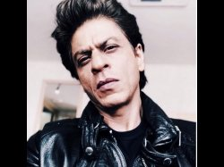 Saroj Khan Had Slapped Shahrukh Khan For Saying Too Much Work He Is Tired During His Initial Days