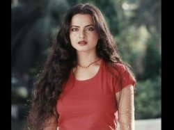 Rekha Says She Talk To The Lord Shiva Her Prayers Are Not About Aartis