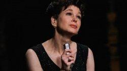 Judy Movie Review Ren E Zellweger S Judy Garland Is Mother And Legendary Artiste