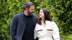 No Time To Die Ben Affleck Not Allowed To Walk The Red Carpet With Bond Girl Ana De Armas