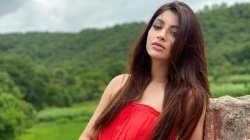 Akanksha Puri Father Undergoes Surgery Actress Says He Is Feeling Better Now