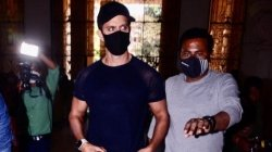 Netizens Hail Hrithik Roshan He Appears Before Police To Record Statement In Relation To 2016 Case