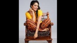 Kiara Advani's First Look From 'Indoo Ki Jawani' Revealed!