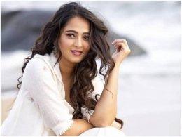 Has Krish Approached Anushka For Pawan Kalyan Starrer?